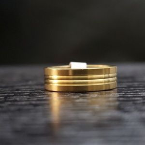 Other - 5️⃣For 2️⃣5️⃣NWT gold stainless steel ring Size 12